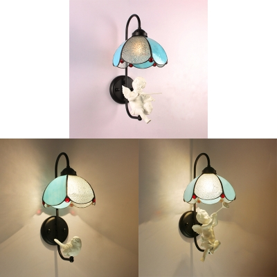 Flower Shape Wall Lamp with Bird/Angel Decoration 1 Light Tiffany Style Glass Sconce Light for Restaurant