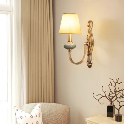 1 Light Tapered Wall Light Antique Style Metal Sconce Light in Brass for Bedroom Study Room