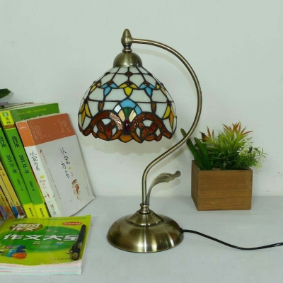 Baroque/Victorian Dome Desk Light 1 Light Stained Glass Table Light with Plug-In Cord for Bedroom