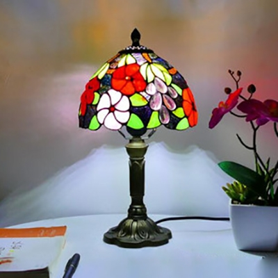 Single Light Table Light with Bead/Flower/Grape Tiffany Rustic Stained Glass Desk Light for Hotel