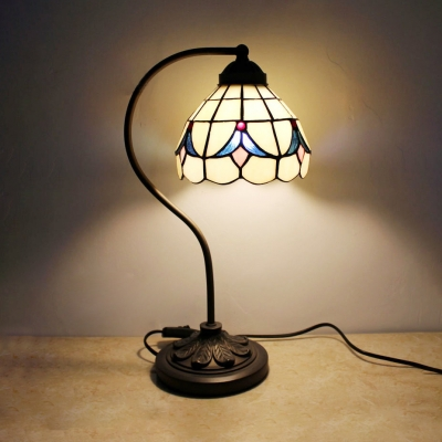 Tiffany Style Traditional Table Light Domed Shade 1 Head Stained Glass Desk Light for Bedroom