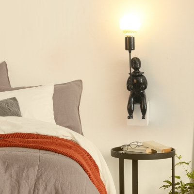 Contemporary Kid Shape Sconce Light 1/2 Pack 1 Light Resin Wall Lamp in Black/White for Hotel Bedroom