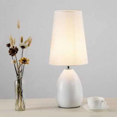 1-Light Tapered Shade Standing Table Lamp Modern Simple Fabric Table Lighting in Black/White