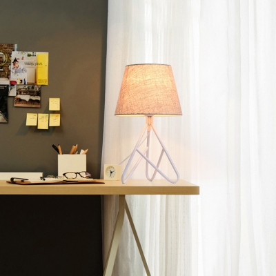 Black/White Finish Tapered Shade Desk Lamp Modern Simple Fabric 1 Light Table Lamp for Bedside