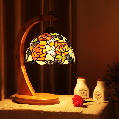 Stained Glass Floral Table Light Bedroom One Light Rustic Tiffany Desk Light with Wood Body