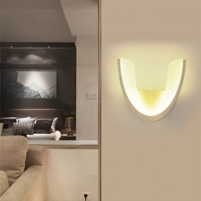 Simple Style White Wall Light U Shape Acrylic LED Sconce Lamp in Warm for Dining Room