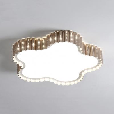 Gold/White Scalloped Star Ceiling Mount Light Modern Metal Flush Light in Warm/White for Kid Bedroom