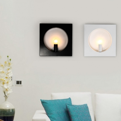 Modern Minimalist Square Wall Sconce Metal Frame 1 Bulb Wall Mount Light in Black/White