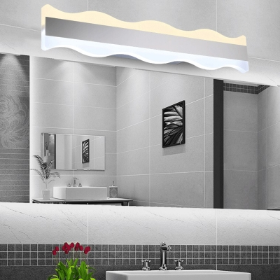 Contemporary Linear Wall Lamp Acrylic Shade Led Waterproof Vanity Light in Silver