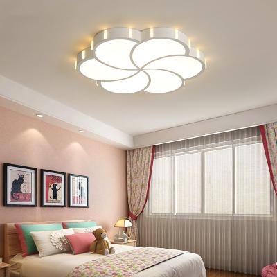 Modern Flush Mount Ceiling Light with Frosted Diffuser Contemporary Integrated Led Flush Light