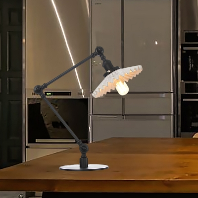 1 Head Bedroom Table Lighting Industrial Stylish Black/Brass Table Lamp with Scalloped Ceramic Shade, HL572099