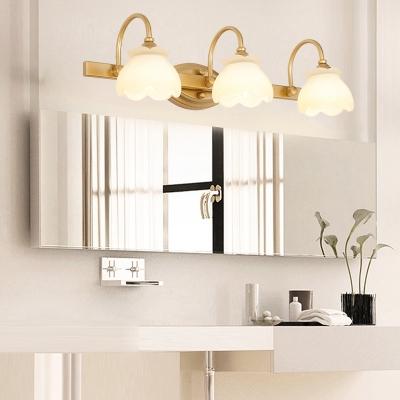 Brass 2/3/4 Heads Vanity Light Traditional Metal LED Flower Wall Mounted Lighting for Bathroom