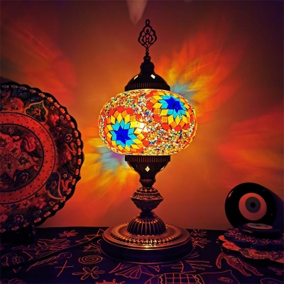 Traditional Oval Shade Table Lamp 1 Light White/Beige/Yellow Stained Glass Night Lighting for Bedroom