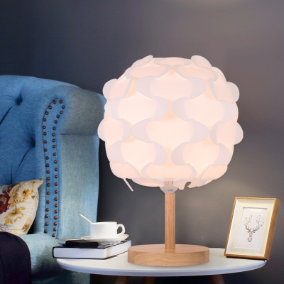 Acrylic Blossom Nightstand Light Contemporary LED White Desk Lamp with Round Wood Base