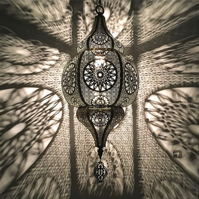 1 Light Hollow Hanging Ceiling Light Art Deco Brass Metal Pendant Lighting for Restaurant