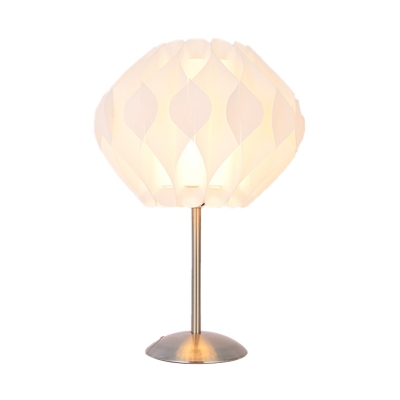 White Blossom Flower Desk Lighting Modern LED Acrylic Night Table Lamp for Bedside