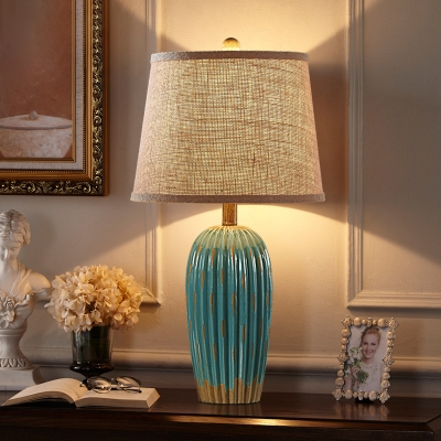 Retro Tall/Stout Ribbed Base Table Light 1 Head Ceramic Nightstand Lamp in Blue/Red with Fabric Shade