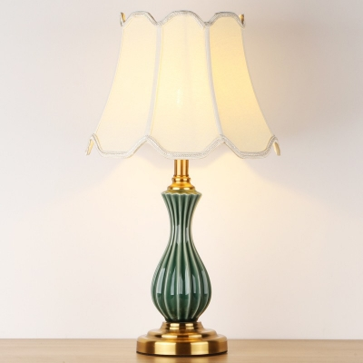 Ceramic Ribbed Vase Night Light Retro Single Bedroom Table Lamp with White Pleated/Braided Trim/Scalloped Lamp Shade