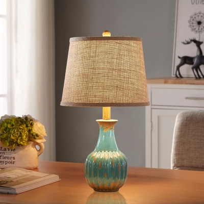Tapered Drum Lounge Night Lamp Farm Fabric 1-Light Flaxen Table Lighting with Red/Blue Ceramic Vase Base