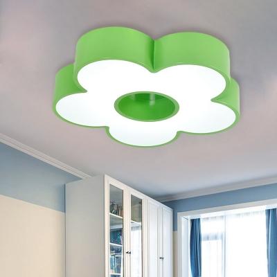 Acrylic Flower Flush Mount Lamp Kids LED Ceiling Light Fixture in Red/Yellow/Blue for Kindergarten