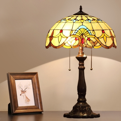 2 Heads Bowl Night Lamp Baroque Style Bronze Stained Glass Petal Patterned Desk Lighting with Pull Chain