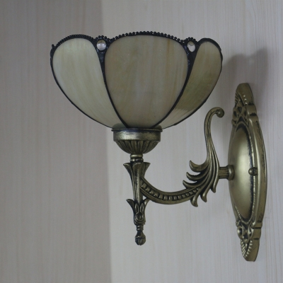 1-Light Gridded/Scalloped Sconce Lamp Tiffany Yellow/Beige Cut Glass Wall Mount Fixture with Jewels