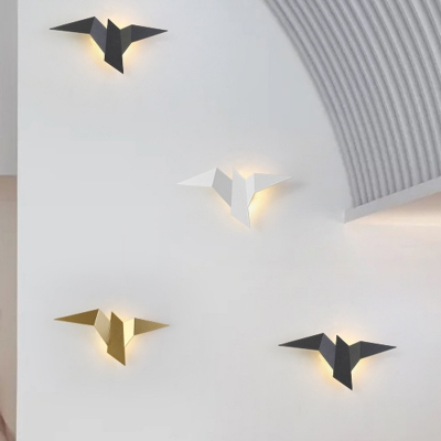 Iron Crane Bird Wall Lamp Minimalist Black/White/Gold LED Flush Mount Wall Sconce in Warm/White/Natural Light for Stairs