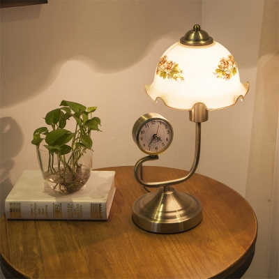 1 Bulb Printed Glass Desk Lamp Antiqued Brass Finish Scalloped Study Room Table Light with Clock Deco