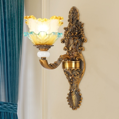 Vintage Flower Shade Wall Light Sconce 1/2-Head Ruffle Glass Wall Lighting Idea in Brass