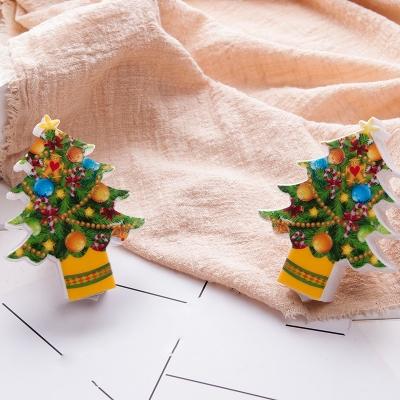 Green Christmas Tree Nightlight Kids Plastic LED Plug-into-Wall Night Light for Baby Room