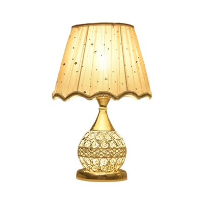 Fabric Gold Night Lamp Scalloped Bell 1 Head Traditional Night Table Light with Sphere Base