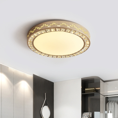 Round Flush Mount Ceiling Fixture Modernity Crystal LED Bedroom Flush Light in Gold with Wavy Pattern