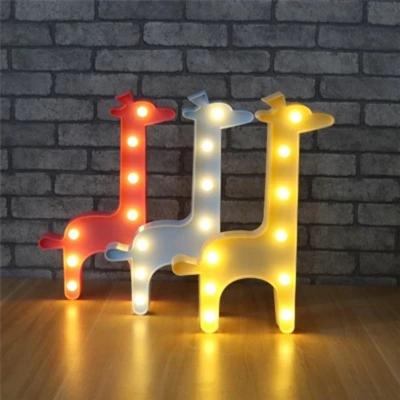 Kids Giraffe Battery Night Light Plastic Bedside Integrated LED Wall Night Lamp in Pink/Blue/Yellow