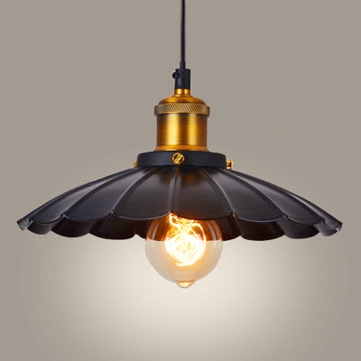 Antique Scalloped Edge Pendant Light Single-Bulb Metal Hanging Light Fixture for Restaurant