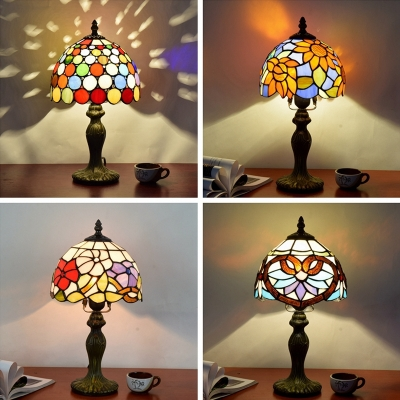 1-Light Living Room Table Lamp Tiffany Style Night Light with Dome Stained Art Glass Shade