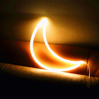 Crescent Childrens Bedroom Table Light Rubber Minimalist LED Battery Wall Night Lamp in White