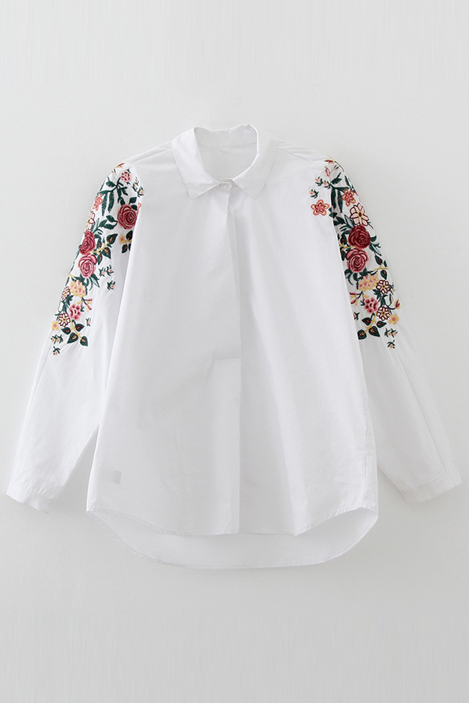Symmetric Floral Embroidery Pattern in Sleeve Single Breasted Lapel, White